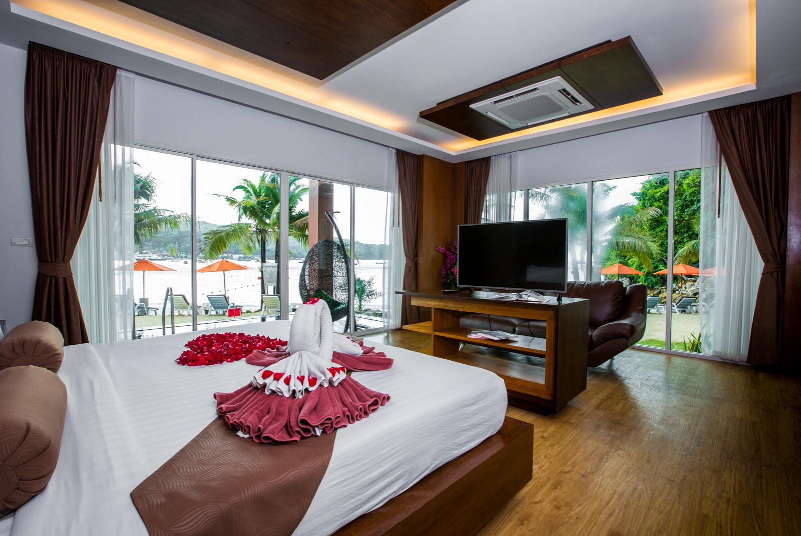 Phi Phi Cliff Beach Resort Hotel